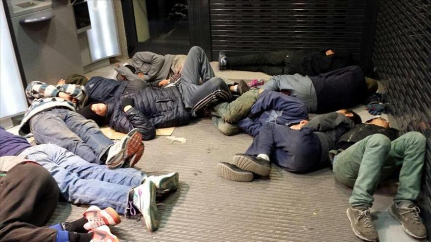 Unos 400 menores extranjeros deambulan por las calles de Melilla
