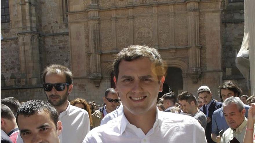 Rivera acusa a Iglesias de acudir al debate con un pacto de no agresión al PP