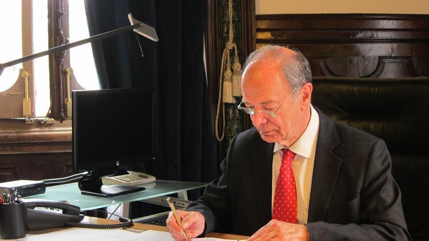 """El alcalde de Bilbao duda que el AVE llegue a la ciudad en 2019 y dice que la 'Y' vasca será """"el metro"""" de Euskadi"""