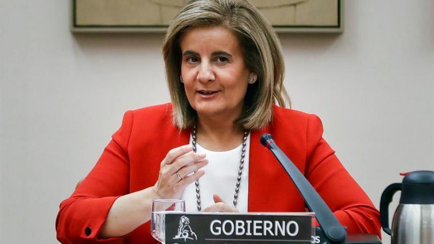 Báñez defiende que los trabajadores han ganado poder adquisitivo desde 2014