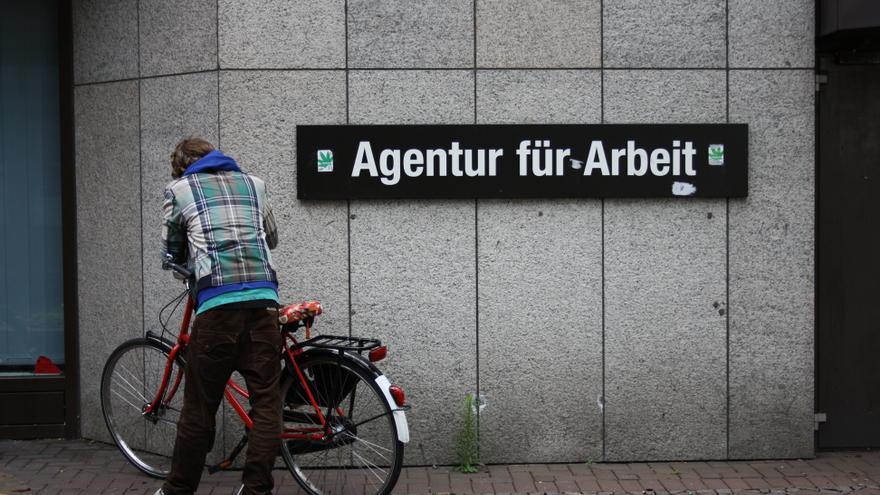 Una oficina de empleo alemana / Carmela Negrete