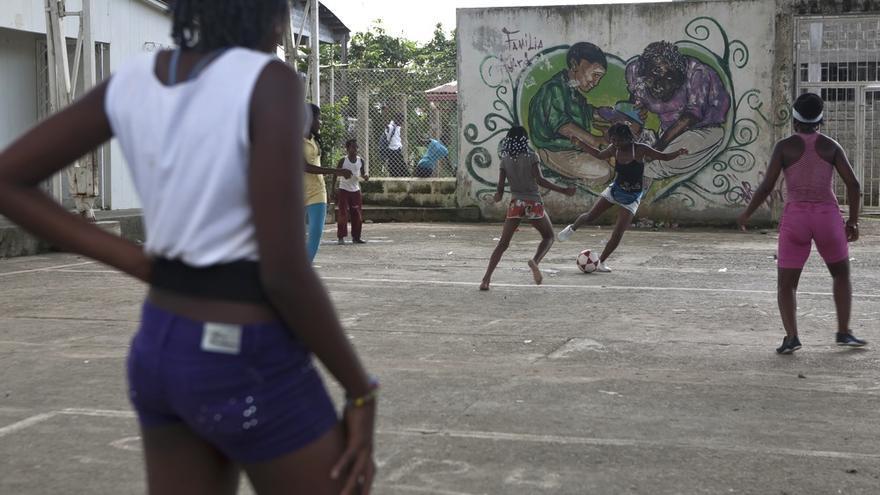 Nora entrena junto a sus compañeras de equipo (Salvador Campillo/ Ayuda en Acción)