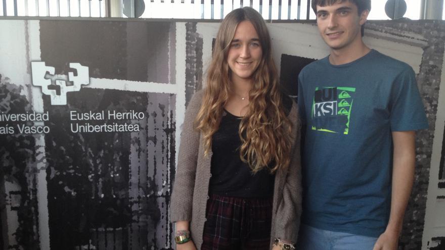 Dos jóvenes afectados por el recorte en las becas de excelencia./ EDN.