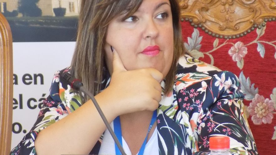 """AMUCCAM defiende un trabajo sanitario """"integral"""" con las pacientes de cáncer de mama"""