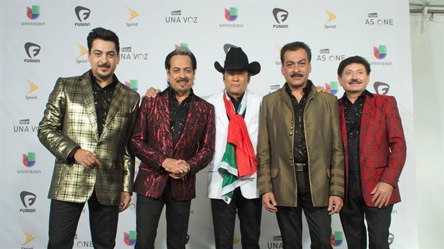"""Multan a Los Tigres del Norte con 27.000 dólares por cantar """"narcocorridos"""""""