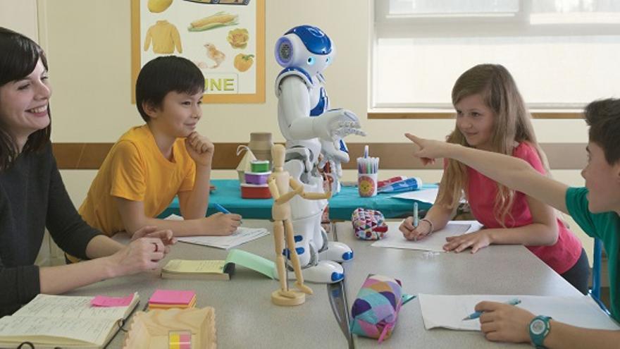 Nao, el robot de 70 centímetros de Aldebaran