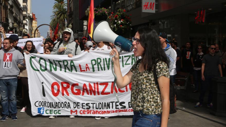 Manifestación de estudiantes en Las Palmas de Gran Canaria. (ALEJANDRO RAMOS)