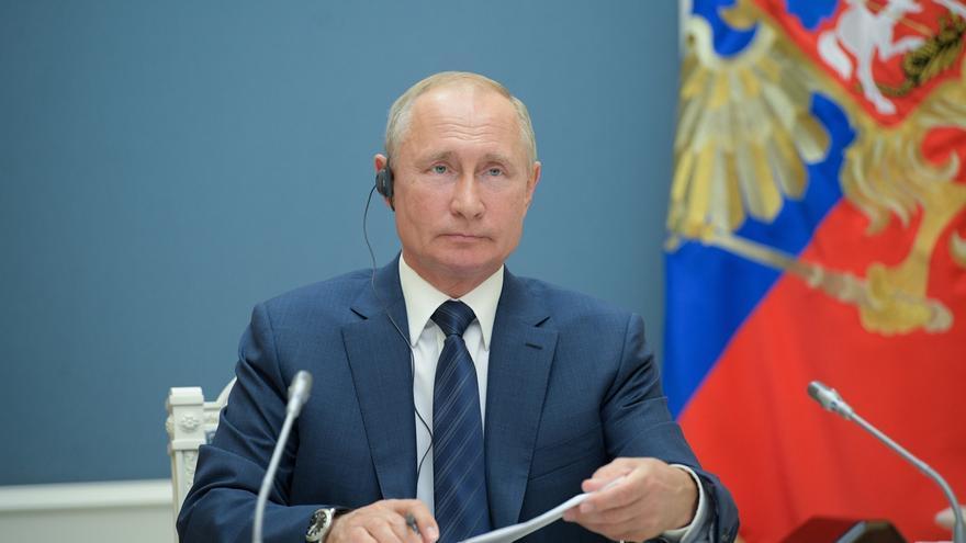 El presidente ruso, Vladimir Putin, durante una video conferencia en Moscú, este martes.