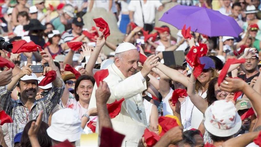 El papa aboga por la unidad de los cristianos en un encuentro con carismáticos