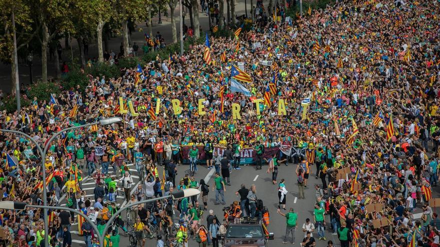 La manifestación en contra de la sentencia reúne a 525.000 personas, 75.000 menos que en la última Diada