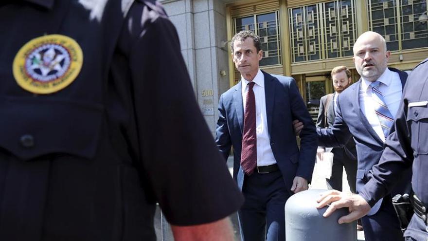 """El excongresista Weiner se declara culpable en caso de """"sexting"""" con una menor"""