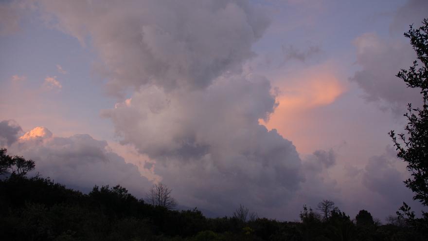 Los cielos nublados predominarán en el norte de las Islas este jueves