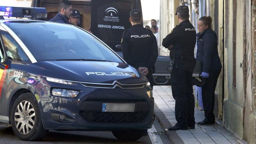 Fallece un hombre tras caer un muro de una vivienda deshabitada en Algeciras