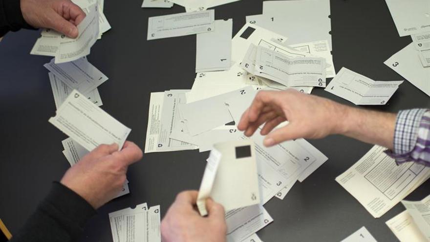 Los suizos aprueban facilitar la naturalización de los nietos de inmigrantes