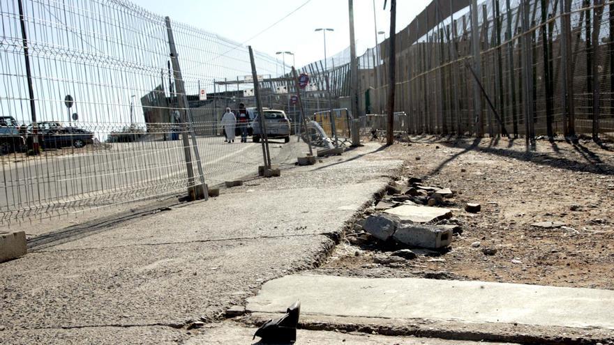Cierran la frontera de Melilla una hora por la protesta de activistas marroquíes