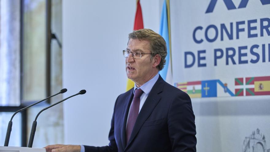 El presidente de la Xunta de Galicia, Alberto Núñez Feijóo, ofrece una rueda de prensa en el Aulario del Convento de San Esteban posterior a la celebración de la XXIV Conferencia de Presidentes.