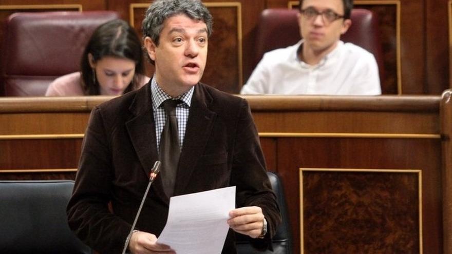 (Amp.) Nadal pactó frenar los cortes de luz sólo con el PSOE porque fue el único que contestó a su propuesta