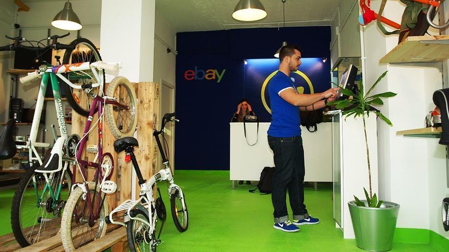 La firma online estadounidense eBay cuenta desde este lunes con su primera tienda física en Bilbao