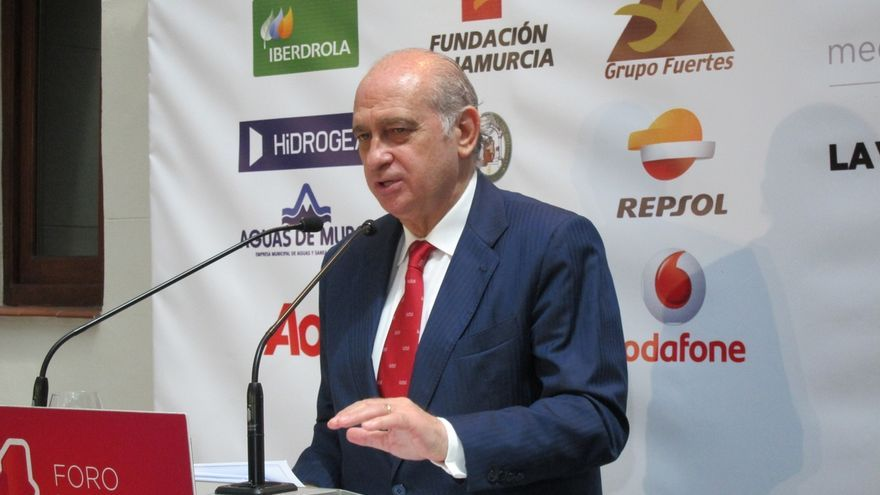 Fernández Díaz advierte de que se hará cumplir la ley si el 15M realiza un acto en la jornada de reflexión