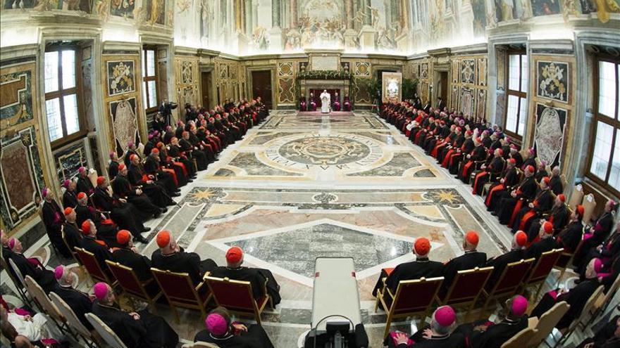 Sectores ultraconservadores de la Iglesia pugnan por apuntalar su poder en el Vaticano