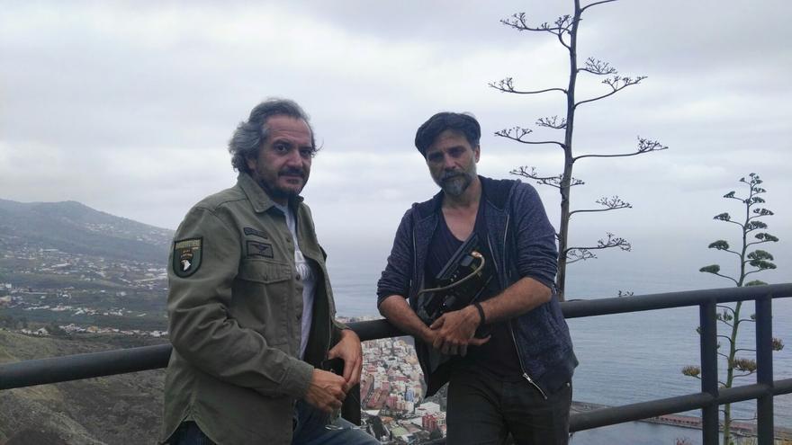 Miguel Poveda (i) y José Pozo en el Risco de la Concepción.