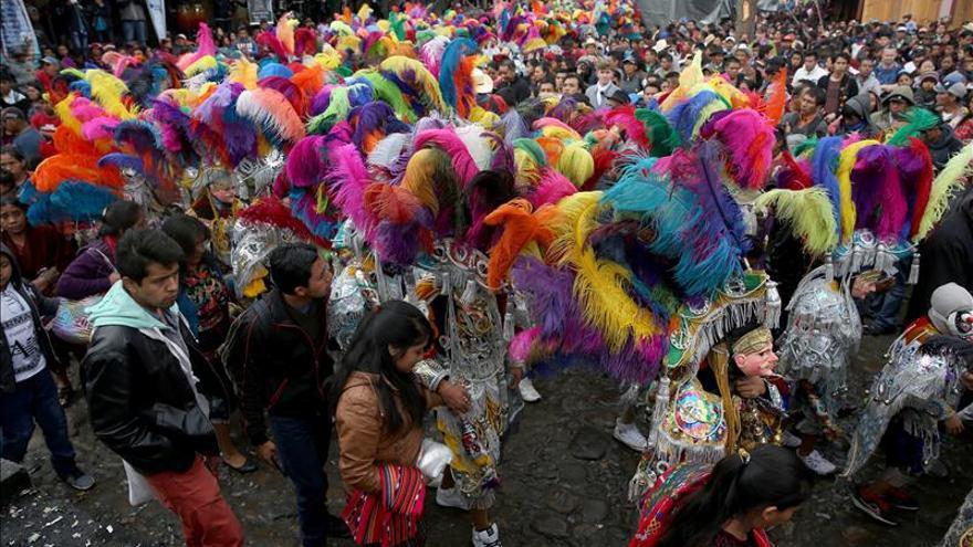 Con danzas coloniales, Guatemala celebra a Santo Tomás en Chichicastenango