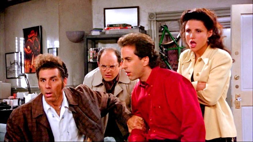 Imagen de una escena de Seinfeld con el elenco protagonista
