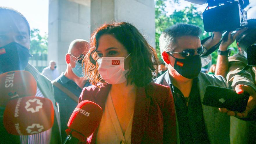 La presidenta en funciones de la Comunidad de Madrid, Isabel Díaz Ayuso, llega a la Gala Benéfica '#VocesQueResponden', en el Auditorio Nacional de Música, a 9 de junio de 2021, en Madrid (España).