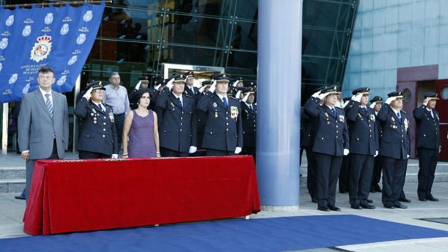 Del acto del Día de la Policía #11