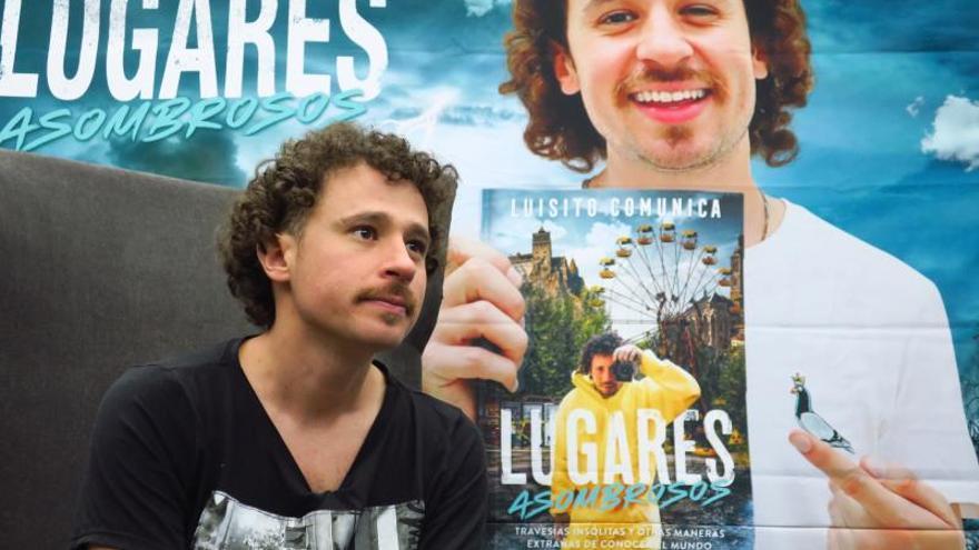 El youtuber Luisito Comunica habla en entrevista con Efe este lunes, en Guadalajara (México).