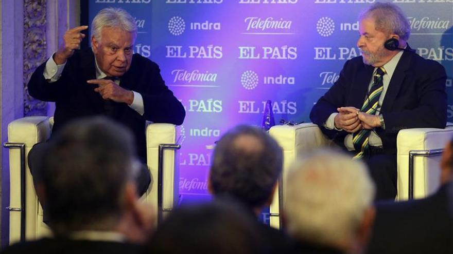 Felipe González dice que el populismo tiene como riesgo acabar como Venezuela