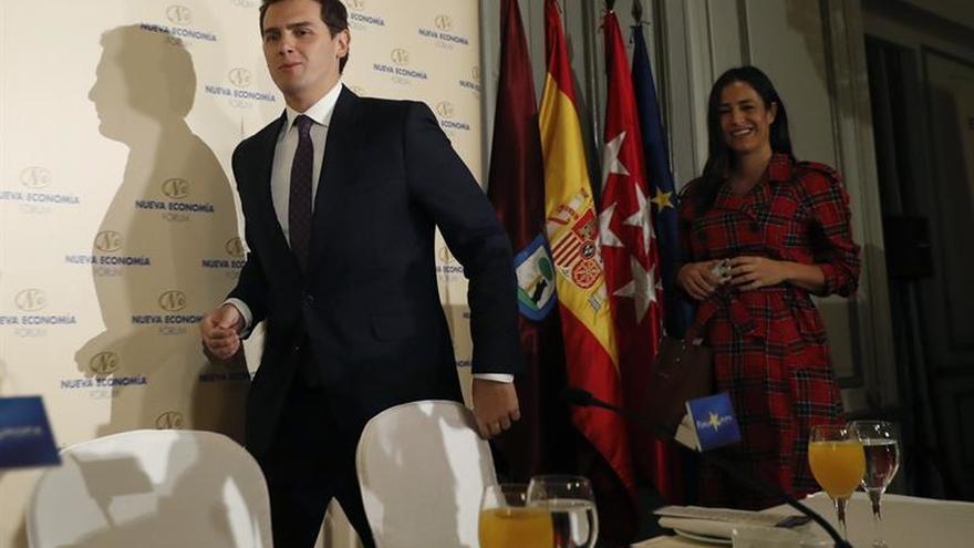 Rivera propone la creación de una mesa de reconversión del sector del taxi