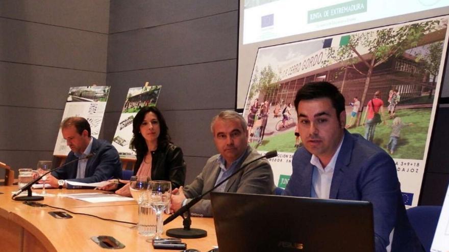 Presentación del nuevo colegio de Cerro Gordo, en Badajoz
