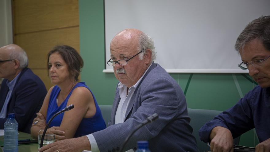 """Jesús Aguirre, consejero andaluz de Salud: """"No sabemos el foco donde se ha contaminado la carne ..."""