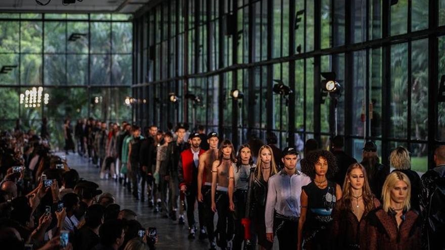 Ellus le hace un guiño a la libertad en la Semana de la Moda de Sao Paulo