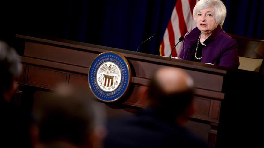 Yellen reconoce que las condiciones financieras y las dudas sobre China afectan al crecimiento