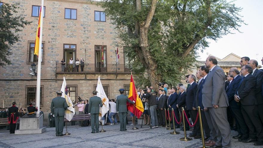 Acto de izado de bandera en Toledo