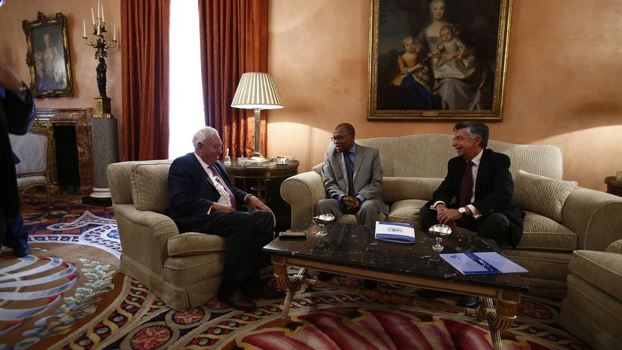 Margallo se une al desayuno con partidos para informarles de la cumbre europea de Bratislava