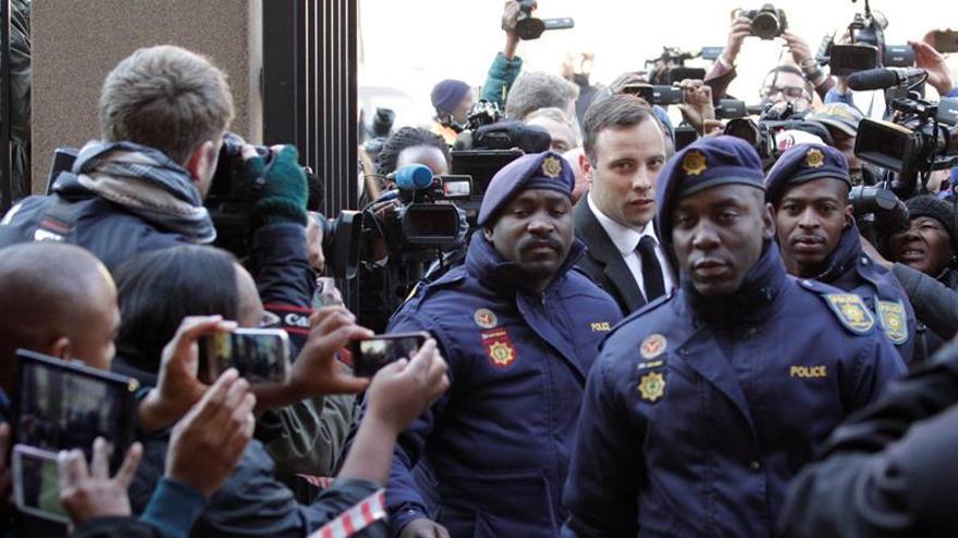 La Fiscalía recurre la sentencia a Pistorius y pide una pena más dura