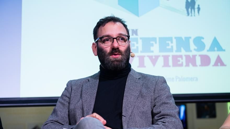 """David Madden, autor de """"En defensa de la vivienda"""", en una presentación en Fundación Telefónica"""