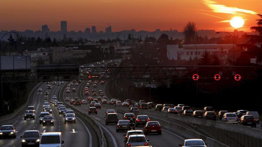 Los motores diésel son una de los grandes fuentes de contaminación de las ciudades / EFE