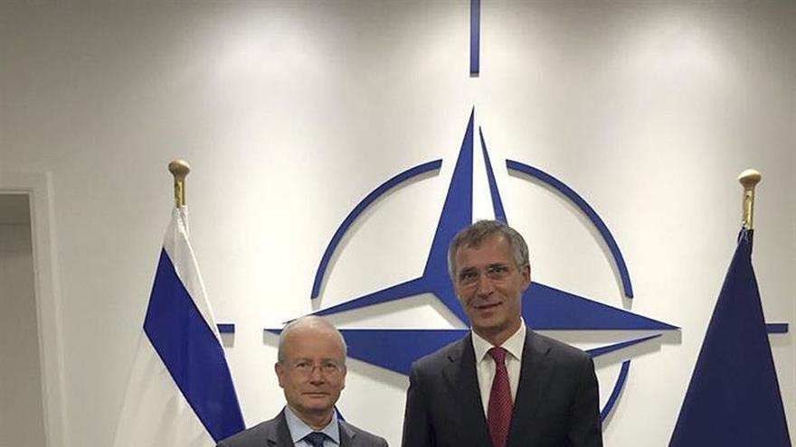 El primer embajador israelí ante la OTAN presenta sus credenciales a Stoltenberg