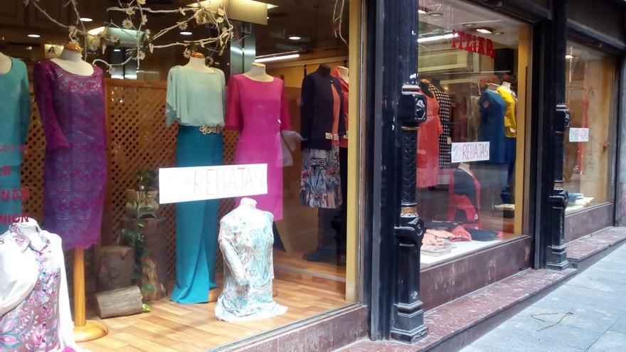 """Comerciantes de Bilbao dicen que las rebajas de verano no neutralizarán el """"desastre"""" de ventas del primer semestre"""