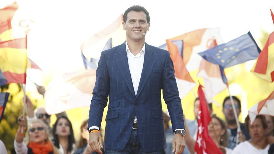 """Rivera anima a los electores a votar a Ciudadanos porque si se quedan en casa, su voto """"va a Sánchez e Iglesias"""""""