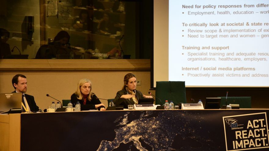 """""""Act, react, impact"""", sobre la violencia de género en Europa. \ R.O"""