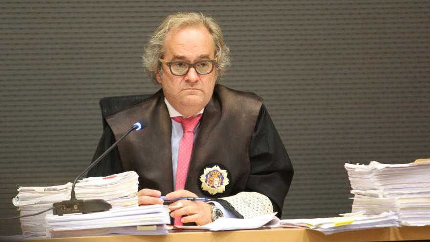 El juez Carlos Vielba en el juicio del caso Calero