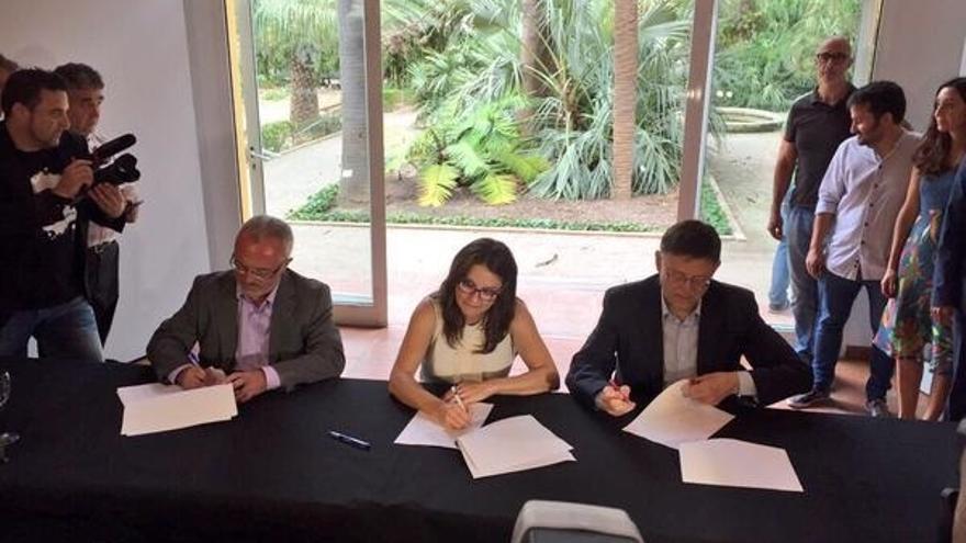 PSPV, Compromís y Podemos firman el 'Acord del Botànic' para el futuro gobierno de la Generalitat valenciana