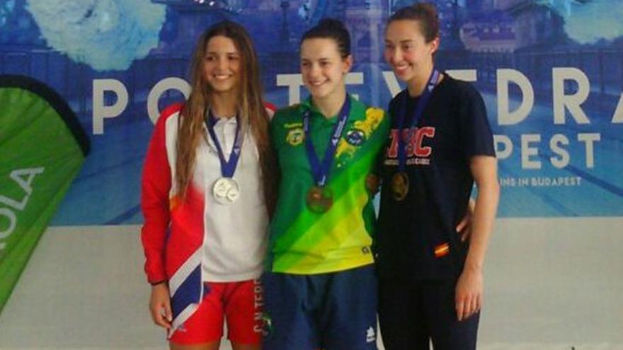 El podio de los 50 metros espalda del Campeonato de España de natación.