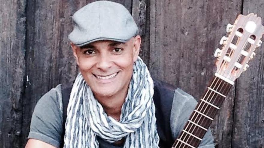 Julio Fowler está considerado uno de los grandes de la 'Cuban World Music'.