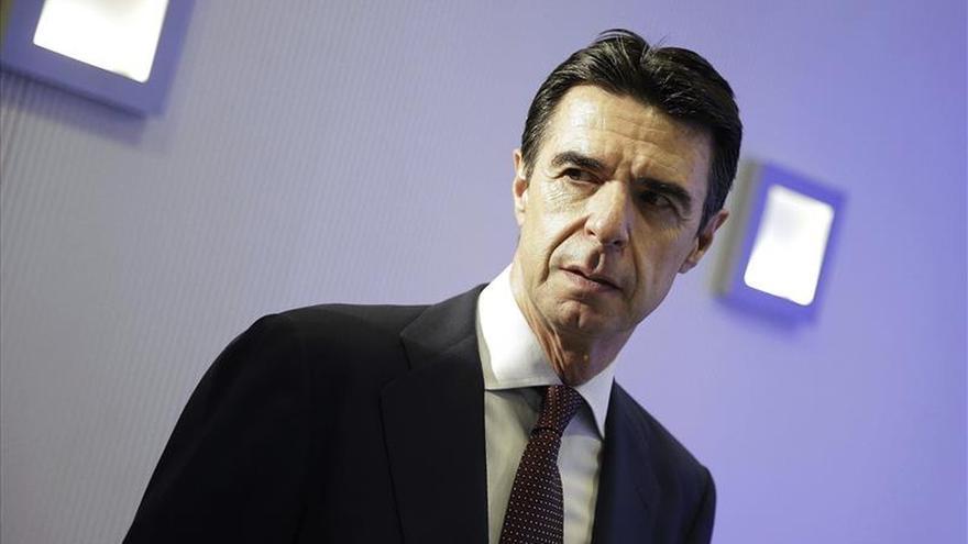 El PSOE pide que Soria explique al congreso el nuevo sistema tarifario eléctrico